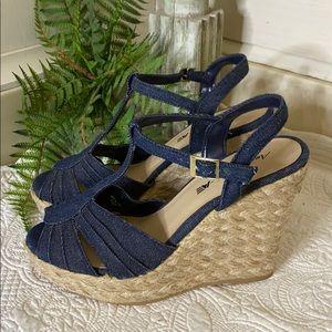 AMERICAN EAGLE 8 Denim Espadrille Wedge Sandals